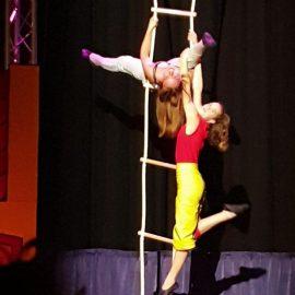 Touwladders voor Circus Santelli